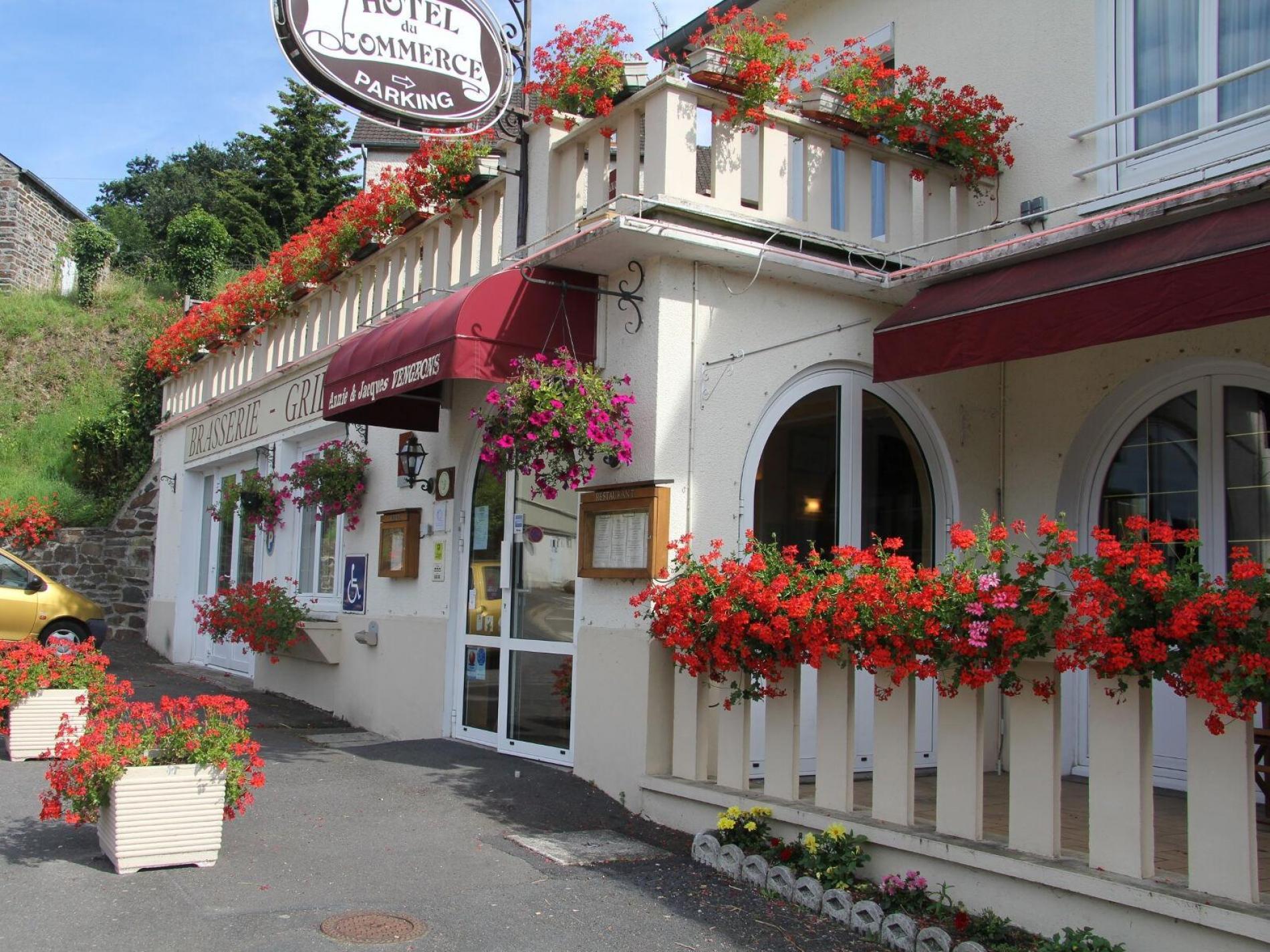 Hôtel restaurant à Pont d'Ouilly