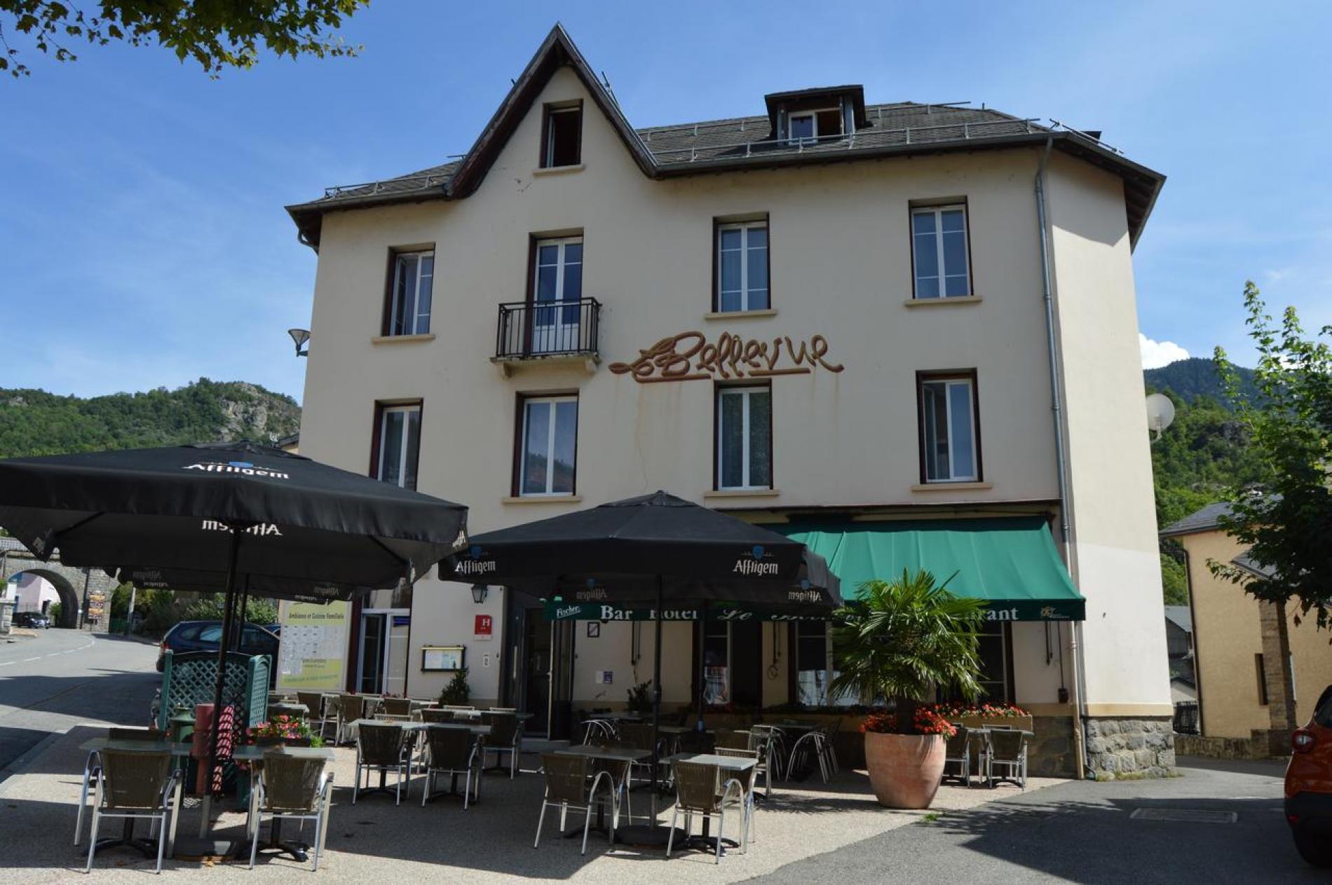 Hôtel Restaurant Le Bellevue **